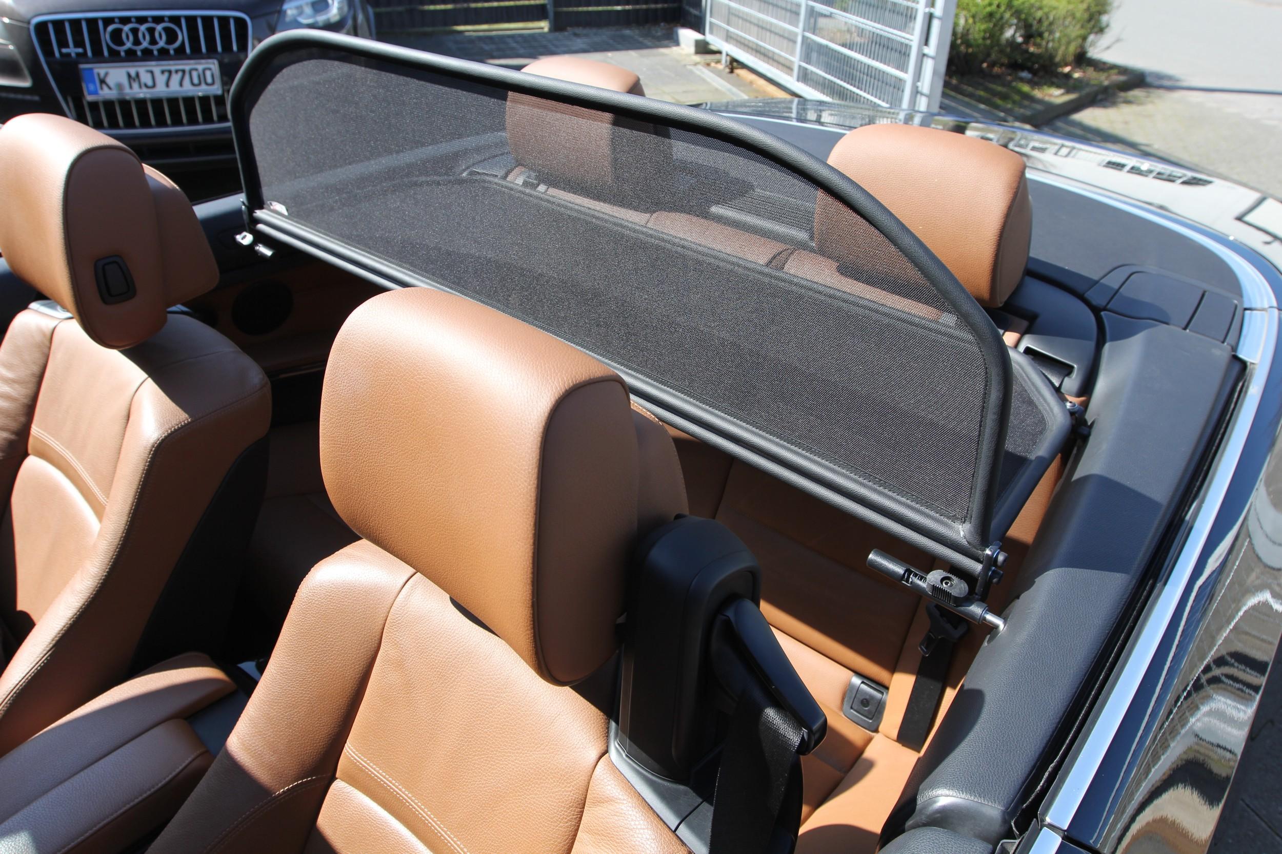 Vindskærm monteret i BMW Cabriolet